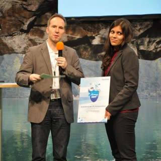 Ich bei der Entgegennahme des myclimate Awards 2014 in Berlin.
