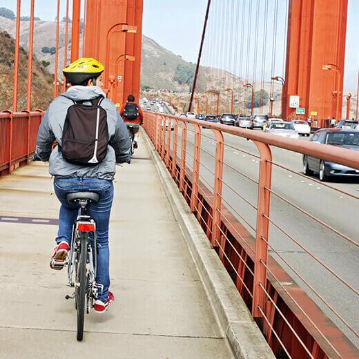 Mit dem Velo über die Golden Gate Bridge.