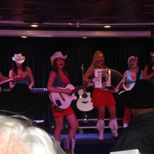 Die Country Sisters auf der Bühne