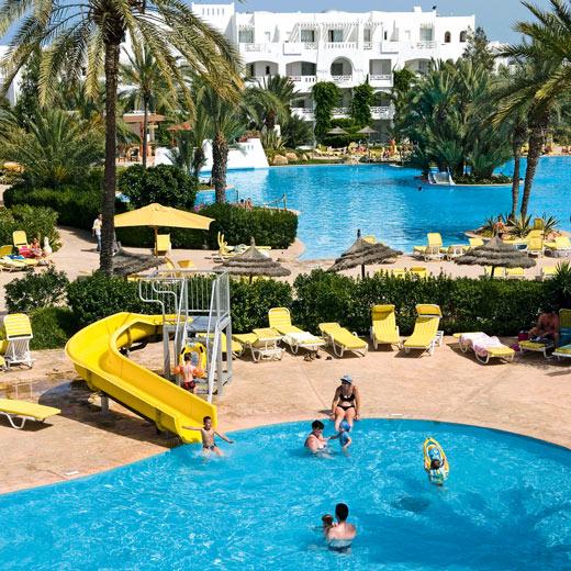 Reisetipp 3: Im Hotel Vincci Djerba gibt es ein extra Planschbecken mit einer kleinen Rutsche