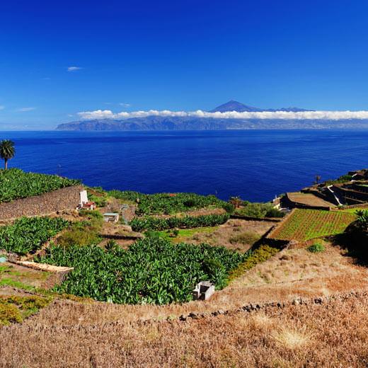 Von La Gomera aus sieht man den Pico del Teide auf Teneriffa
