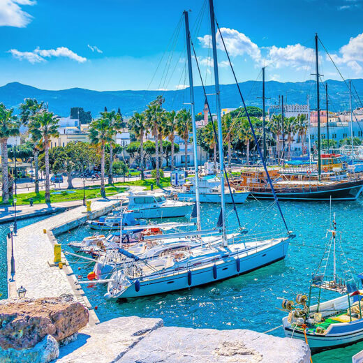 Typisch griechisch und hübsch, der Hafen von Kos