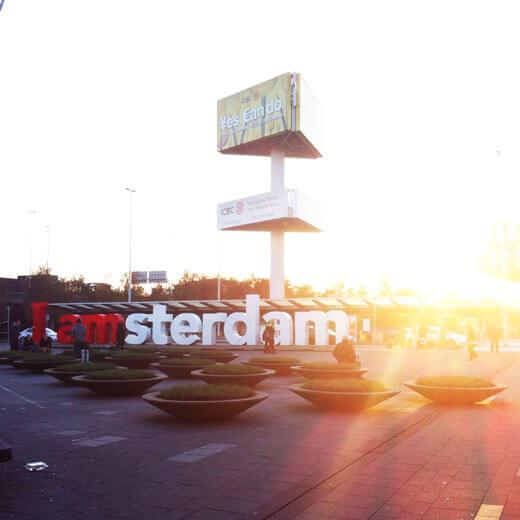 Am Flughafen von Amsterdam