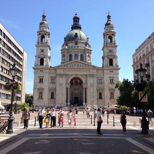 Ein Erinnerungsfoto der St. Stephans Basilika ist ein Muss