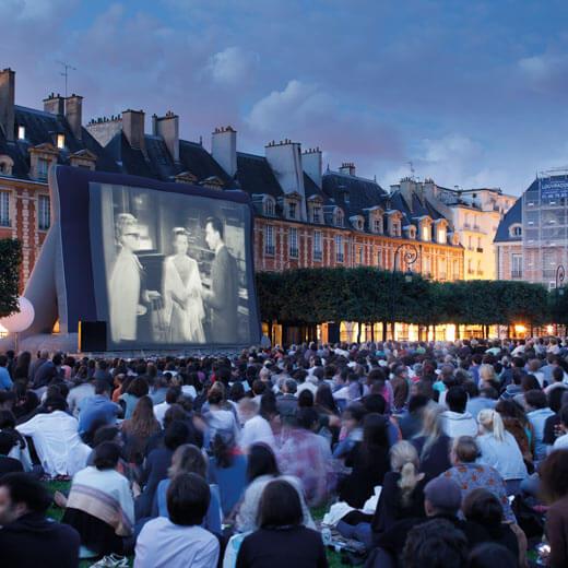Warum nicht mal unter freiem Himmel einen Film schauen? | Bildquelle Paris Tourist Office