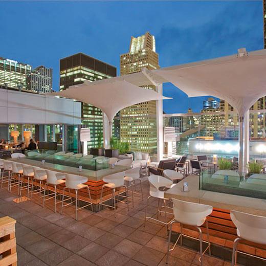 Wunderschöne Aussicht von der Rooftop Bar im Hotel The Wit