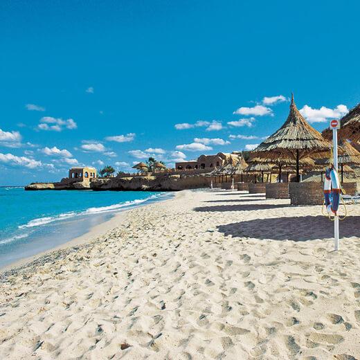 Der Strand des Mövenpick Resort El Quseir