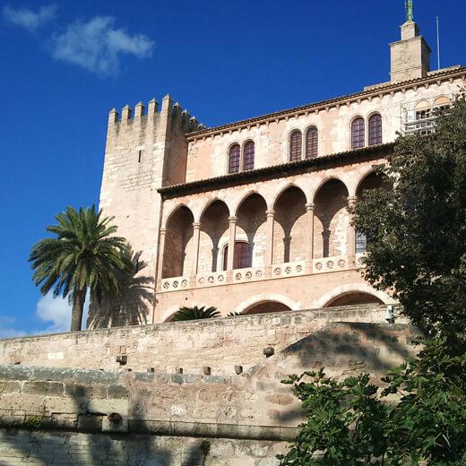 Das Wahrzeichen der Stadt – die Kathedrale La Seu