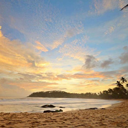 Geniesst den wunderbaren Sonnenuntergang bei Mirissa