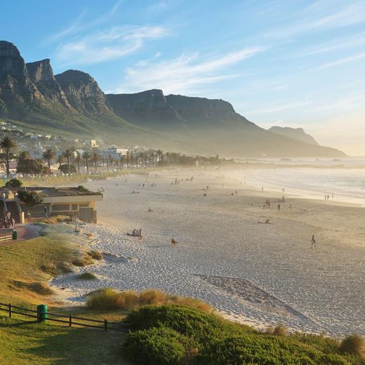 Auch Strände gibt's in Kapstadt, hier im Bild: Camps Bay