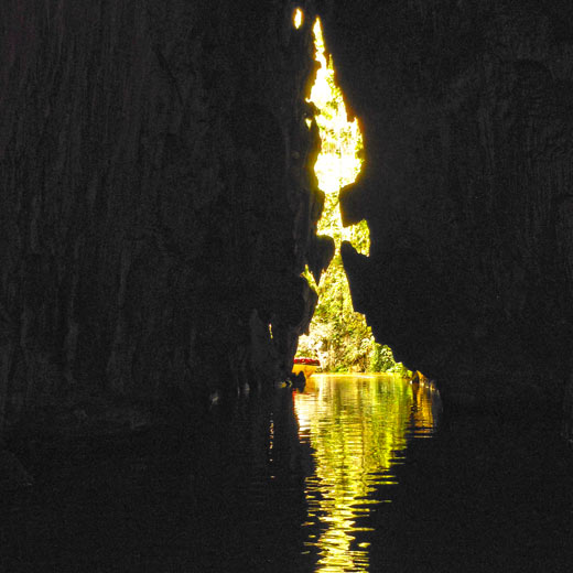 Beeindruckende Aussicht bei der Fahrt durch die Höhle Cueva del Indio