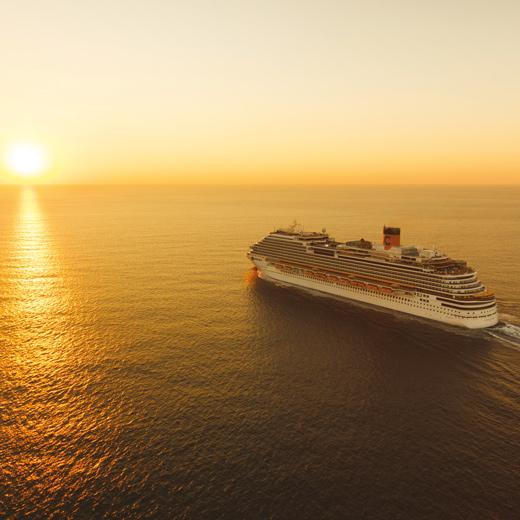 Die Costa Diadema während eines wundervollen Sonnenuntergangs
