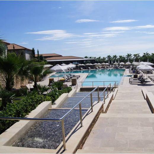 piscine de l'Apollonion Resort