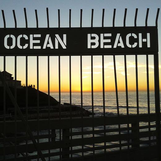Ein wunderschöner Sonnenuntergang vom Ocean Beach Pier