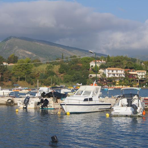 Ein Hafen in Zakynthos