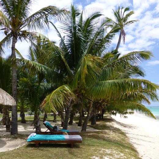 Strand vom Dinarobin Hotel