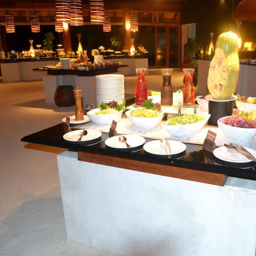 Buffet varié au restaurant Ahima