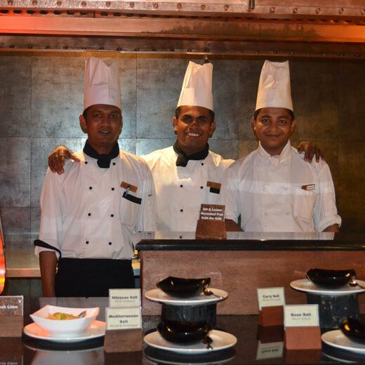 Die Köche vom Ahima Restaurant