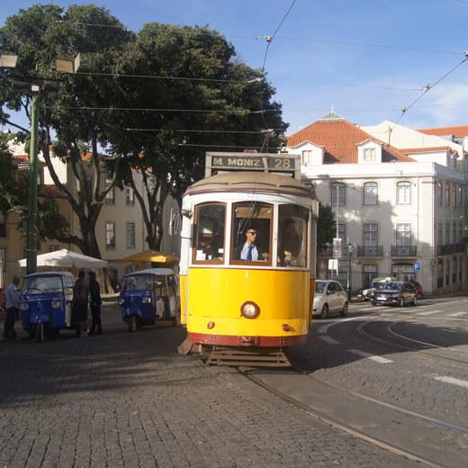 Fameux funiculaire de Lisbonne