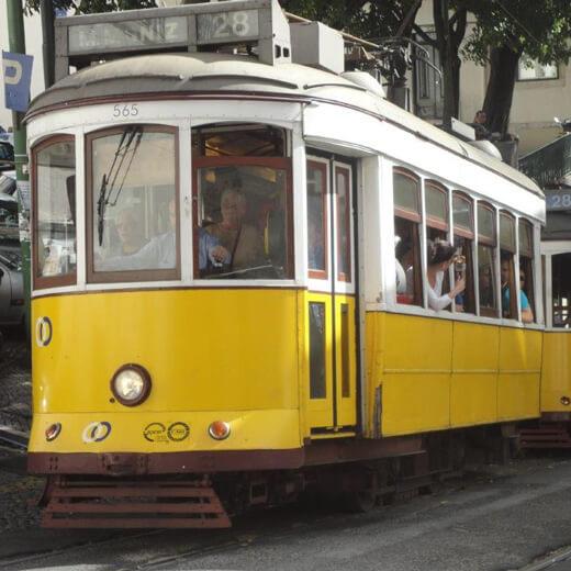 Spektakuläre Tramfahrt in Lissabon