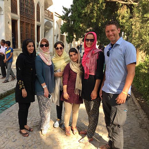 3 Iranerinnen mit uns