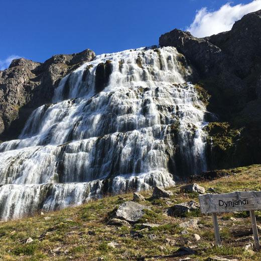 Der Dynjandi Wasserfall