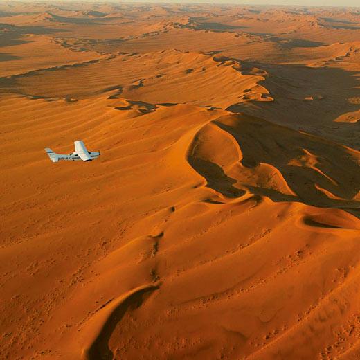 Es ist ein atemberaubendes Erlebnis die Wüste von der Vogelsperspektive aus zu sehem