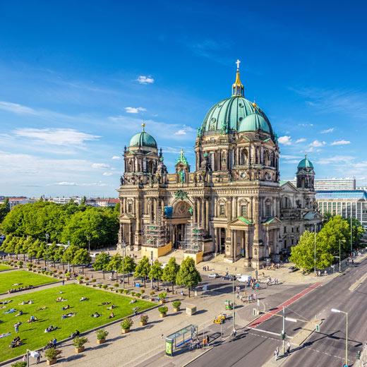 Der Berliner Dom ist die grösste Kirche von Berlin.