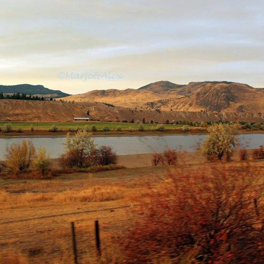 Le coucher de soleil à la rivière South Thompson