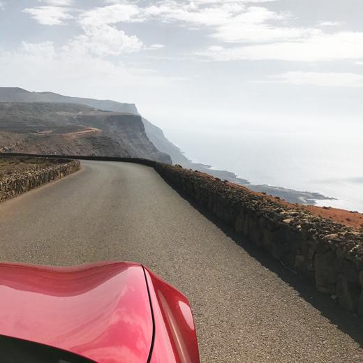 Die Küstenstrasse Richtung Orzola