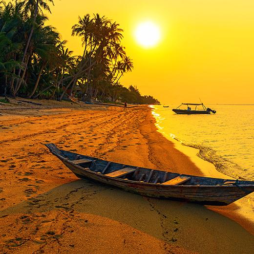 Ein Sonnenuntergang am Strand der Westküste