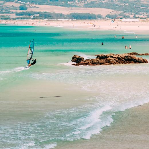 Tarifa, spot de kitesurf et de planche à voile réputé